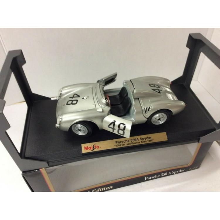 Lote 003 Maisto 1/18 Porsche 550 A Spyder Prata