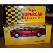 Lote 012 Maisto Supercar Collection Jaguar XJ 220