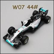 Lote 008 Burago 1/43 Mercedes F1 W07 Hybrid 2016 Lewis Hamilton Carro 44