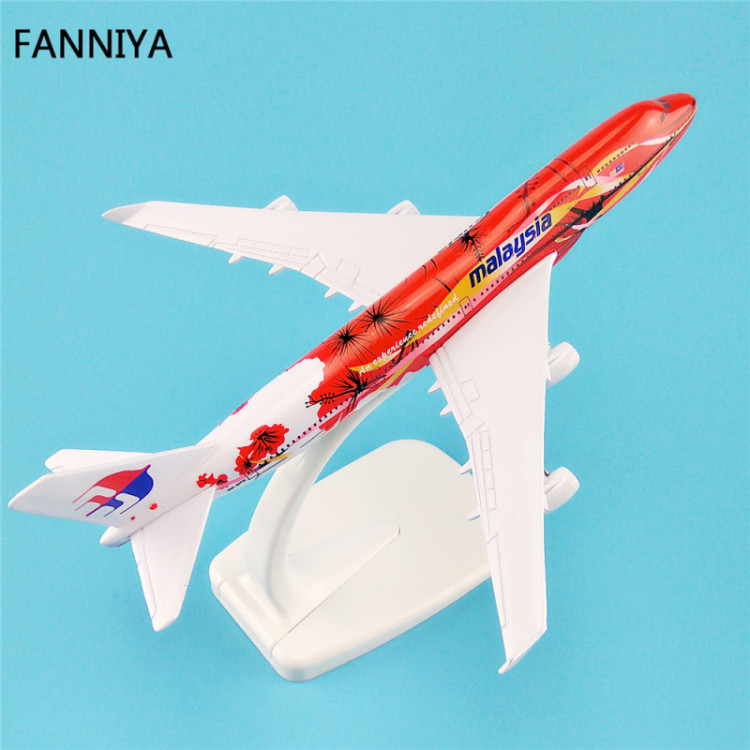 Lote 007 Miniatura Avião Malaysia Boeing 747