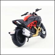 Lote 002 Ducati Diavel Carbon