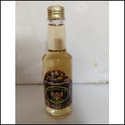 017 Mini Garrafa Gold Wing Club Slovenija Pequi com Mel 60ml