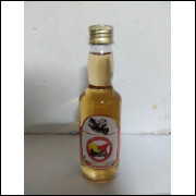 033 Mini Garrafa Gold Wing Club Italia Sicilia Amarula com Mel 60ml